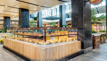 Wooden cabinet candy & nut koisk design for shopping mall